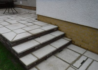 Stepped paving